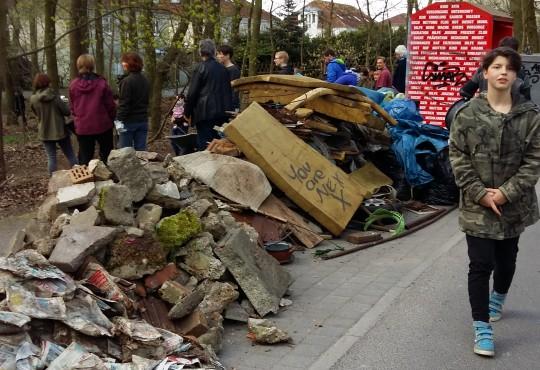 Große Müllberge in Höhenberge (Foto: Ana Kruse)