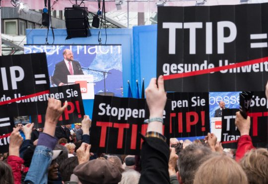 Das Handelsabkommen TTIP gefährdet unsere Standards - deshalb gehen wir auf die Straße. Foto: Campact (CC BY-NC-SA 2.0)